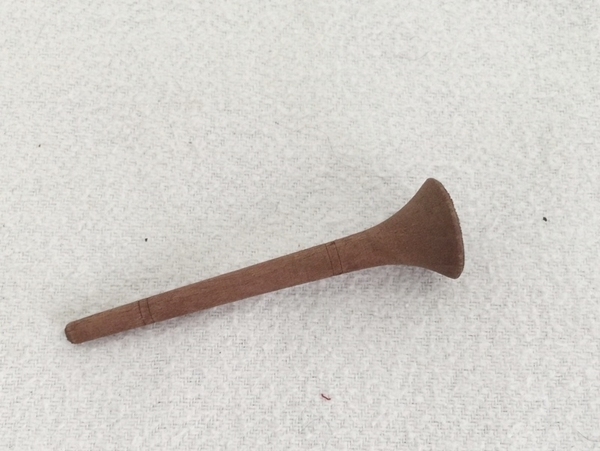 Bild von Trompete aus Holz dunkel