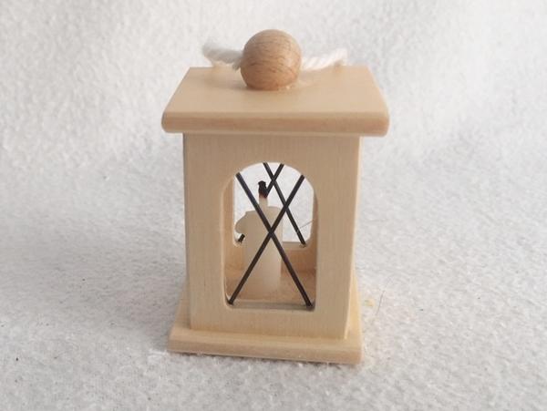 Bild von Laterne Holz hell mit Kerze